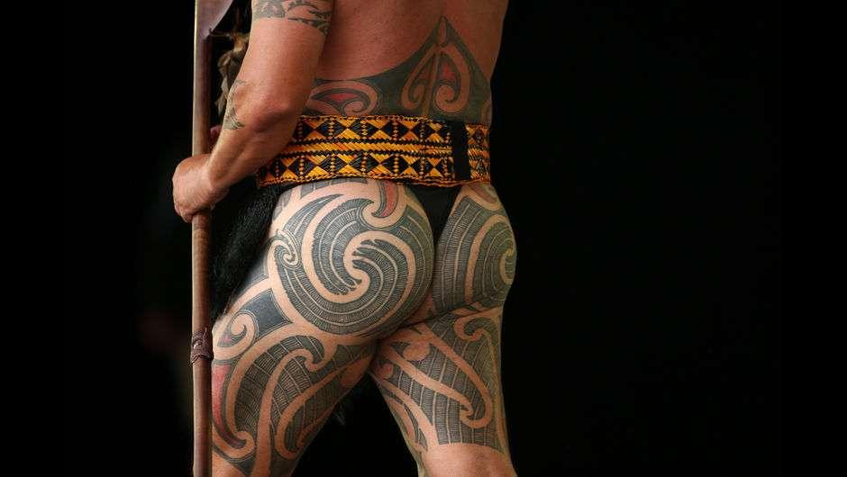Tatuagens maori pelo corpo (Foto: Site Terra)