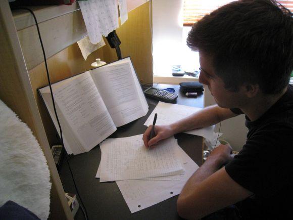 Faça várias redações, ao longo do período de preparação, com base em temas que podem cair no Enem 2016 (Foto Ilustrativa)