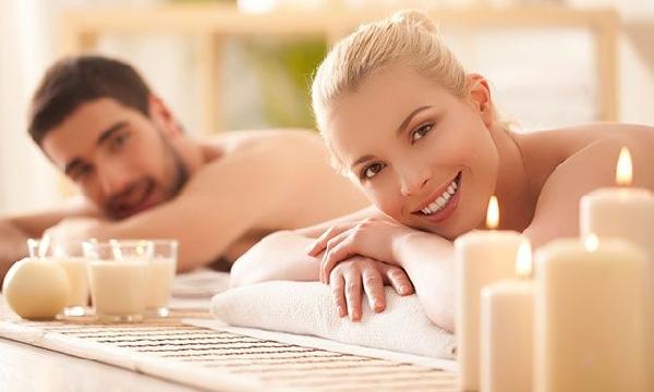 Que tal uma massagem de velas? (Foto: Divulgação MdeMulher)
