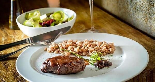 Um jantar romântico é a melhor dica para o dia dos namorados (Foto: Divulgação)