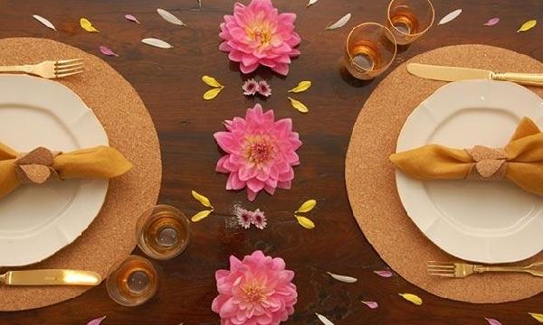 A mesa pode ser decorada do jeito que você gosta (Foto: Divulgação MdeMulher)