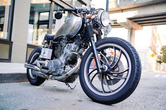 O número de motos nas ruas é cada vez maior (Foto Ilustrativa)