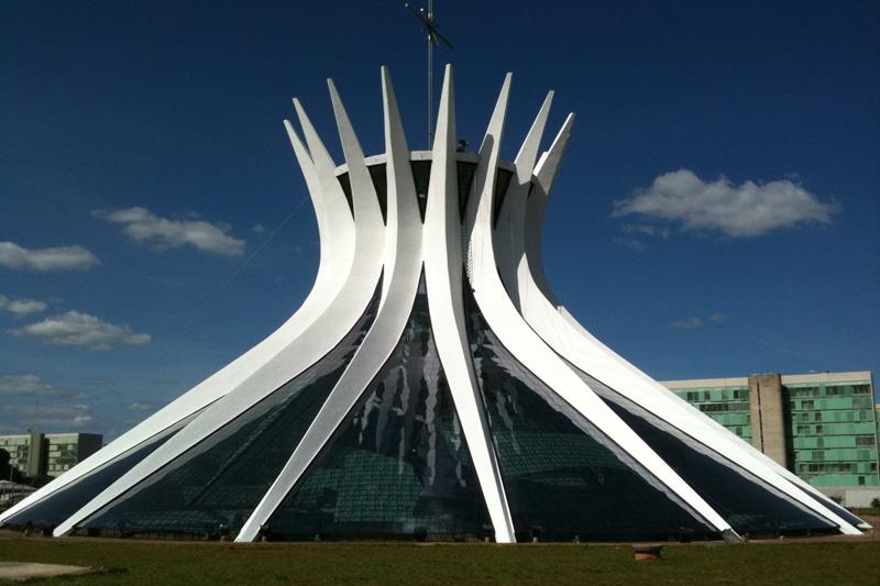 A catedral de Brasilia está entre os locais para se conhecer como seu pai (Foto: Divulgação)
