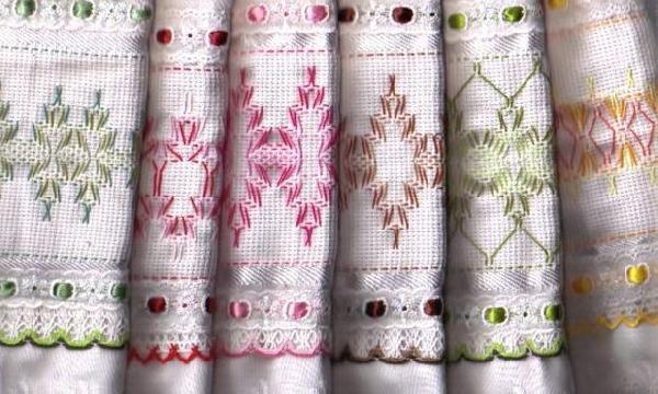 Toalhas de mão bordadas (Foto Divulgação: MdeMulher)