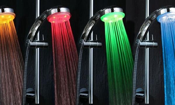 Torneiras de água colorida (Foto Divulgação: MdeMulher)