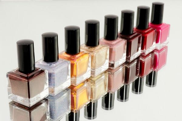 Diversas cores podem ser usadas, tudo depende da ocasião e estilo de cada uma