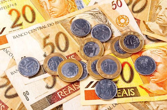 Para receber o PIS, a remuneração não pode ser superior a dois salários mínimos. (Foto Ilustrativa)