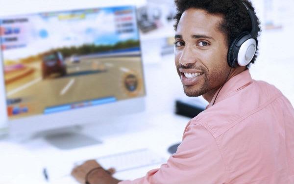 O Senac oferece laboratórios modernos para os cursos de programação (Foto Ilustrativa)
