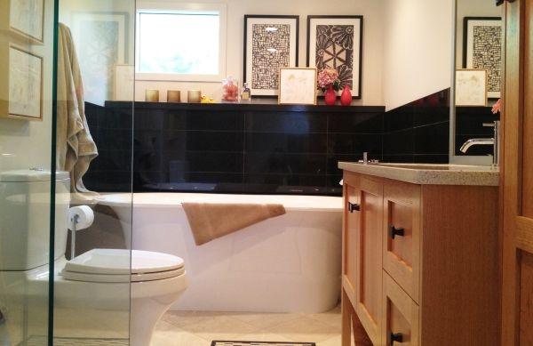 Decoração com madeira e louça (Foto Divulgação:  homedesignmodel.com)