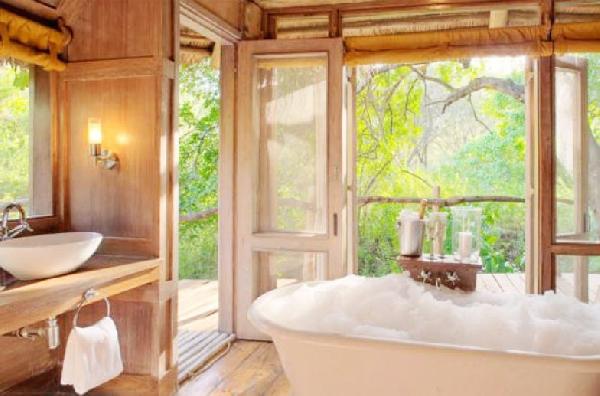 Banheira  e spa ao mesmo tempo (Foto Divulgação: Casa/Abril)