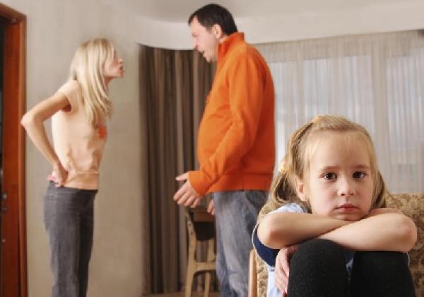 A separação não libera os pais das responsabilidades com as crianças (Foto Divulgação: MdeMulher)