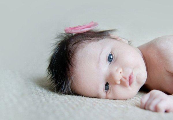 Bebe de olhos azuis (Foto Divulgação: MdeMulher)