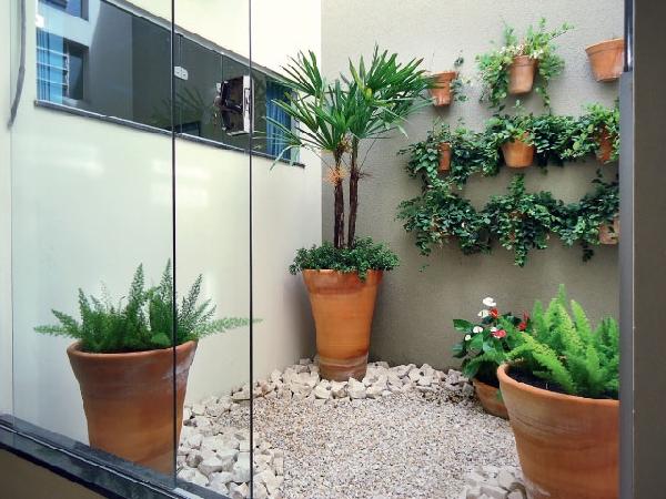 Jardim suspenso ocupa menos espaço (Foto Divulgação: Casa Linda)