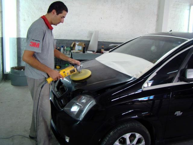 Curso de pintura de carros (Foto: Divulgação)