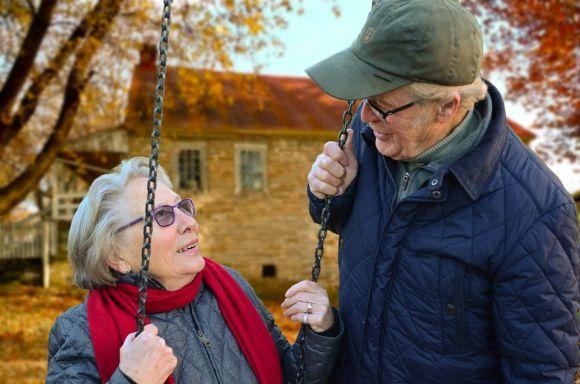 Em breve, os idosos poderão ter o mesmo desconto e gratuidade das passagens de ônibus nas viagens aéreas (Foto Ilustrativa)