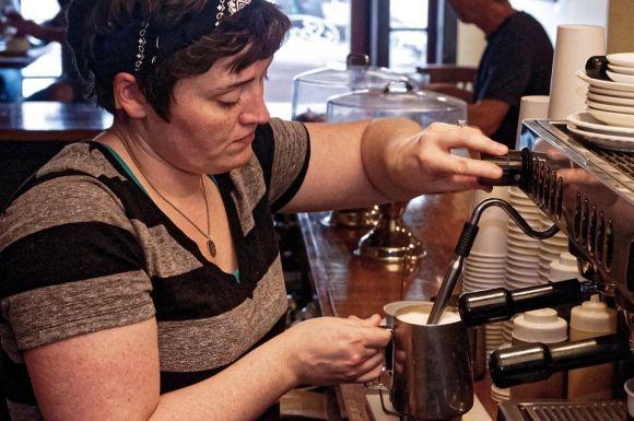 Profissionais que trabalham em bares, restaurantes e lanchonetes têm boas opções de qualificação no Senac Manaus (Foto Ilustrativa)