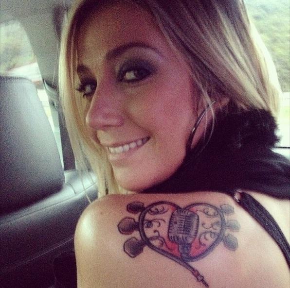 tatuagem feminina com a profissão (Foto: MDeMUlher)
