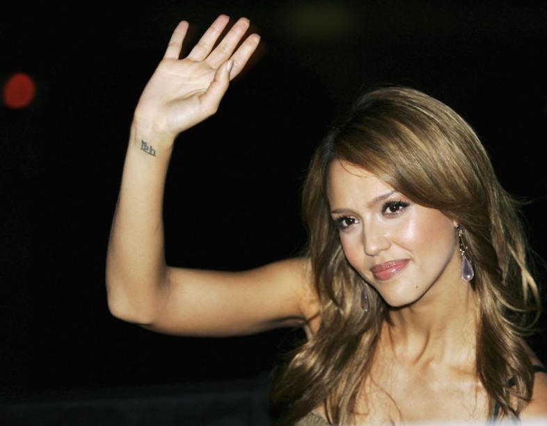 Tatuagem de pulso de mulher (Foto: MDeMulher)
