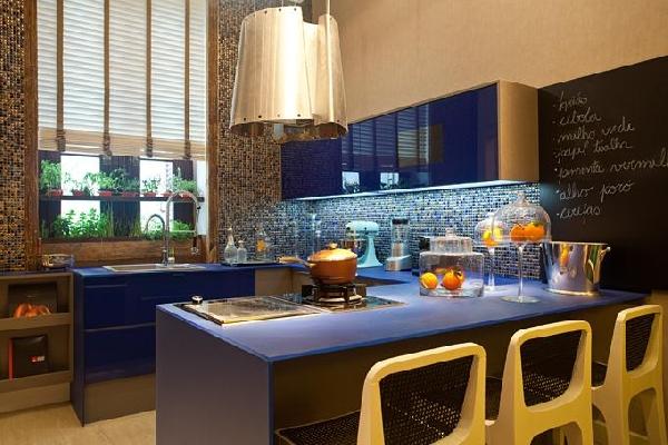 Cozinha azul (Foto Divulgação: MdeMulher)