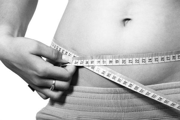A dieta é restritiva e ajuda a perder peso rápido. (Foto: Divulgação)