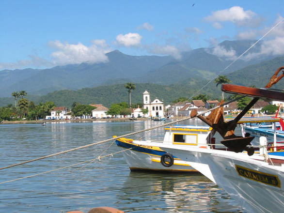 Cidade recebe centenas de turistas durante o final de ano (Foto: FreePik)