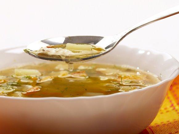 4 receitas de sopas com menos de 100 calorias.