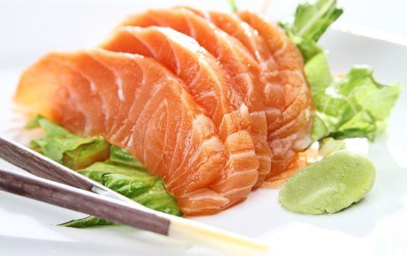 Comer peixe é uma forma de ingerir gorduras do bem. (Foto Ilustrativa)