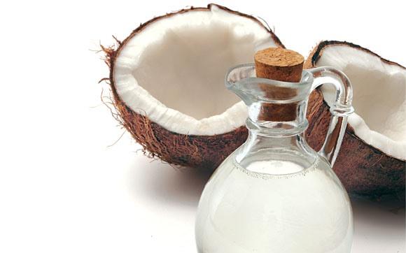 O óleo de coco emagrece e oferece benefícios à saúde. (Foto Ilustrativa)