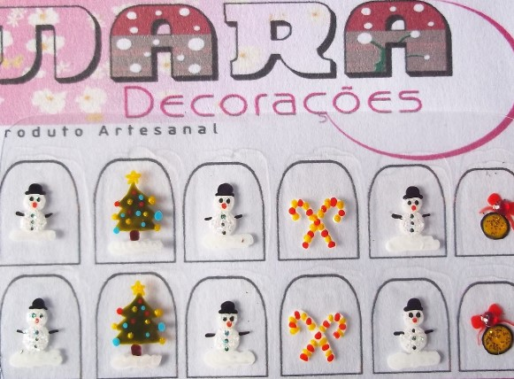 Cartela de adesivos de natal disponível no site Elo 7. (Foto Ilustrativa)