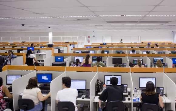 Há mais de 1 mil vagas abertas para trabalhar na Atento. (Foto Ilustrativa)