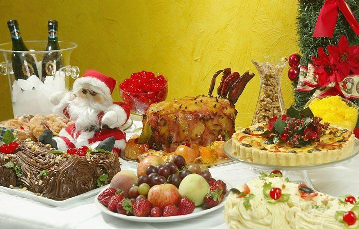 Como montar uma mesa para ceia de natal for Utensilios para servir comida