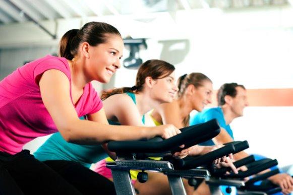 Pratique exercícios físicos regularmente. (Foto Ilustrativa)