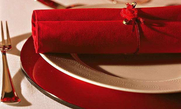 Use guardanapos para a ceia de Natal (Foto: Mdemulher)