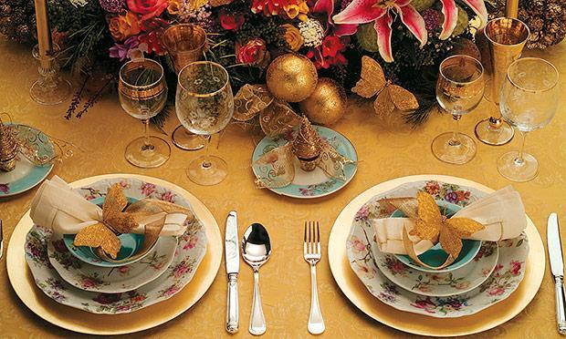Ceia de Natal com pratos coloridos (Foto: Mdemulher)