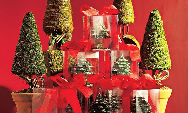 Use caixas para decorar sua mesa na ceia de Natal (Foto: Mdemulher)