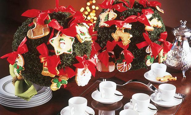 Guirlandas podem decorar sua mesa de Natal (Foto: Mdemulher)