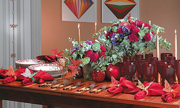 Plantas para decorar a mesa de Natal (Foto: Mdemulher)