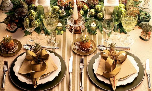 Arrume a mesa para o Natal com delicadeza (Foto: Mdemulher)