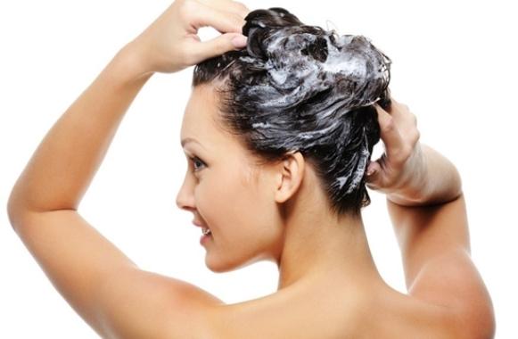 Para engrossar o cabelo, é preciso investir em hidratações. (Foto Ilustrativa)