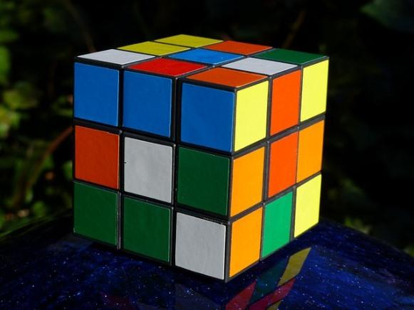 Aprenda a montar o cubo mágico com o campeão brasileiro. (Foto Ilustrativa)