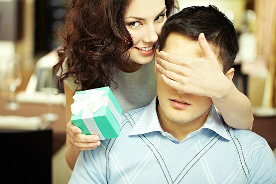 Brincadeira pode inclusive ser feita entre o casal (Foto: Divulgação)