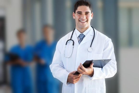 Há 20 vagas para médicos, contemplando diferentes especialidades. (Foto Ilustrativa)