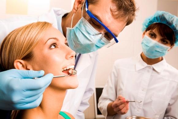 Auxiliar de saúde bucal é uma opção de cargo. (Foto Ilustrativa)
