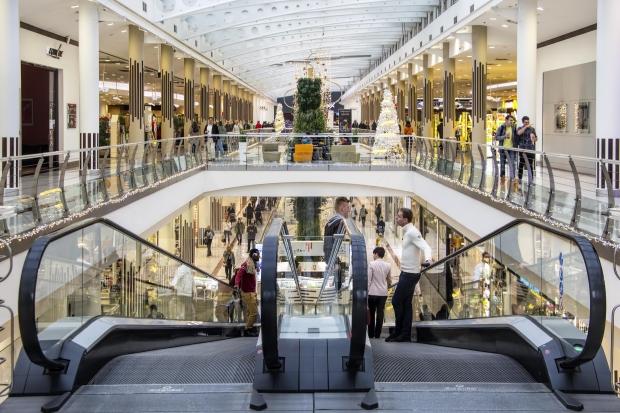 Shoppings preparam a decoração meses antes (Foto: Divulgação)