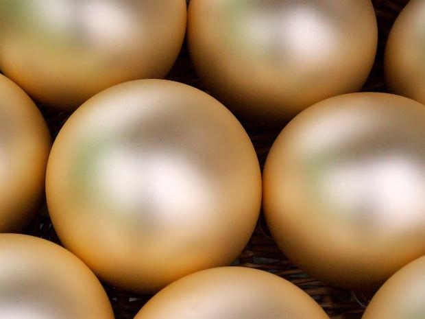 Bolas douradas de Natal (Foto: Divulgação)