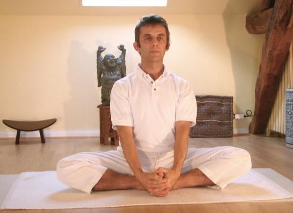 A yoga tem várias posturas contra gastrite. (Foto Ilustrativa)
