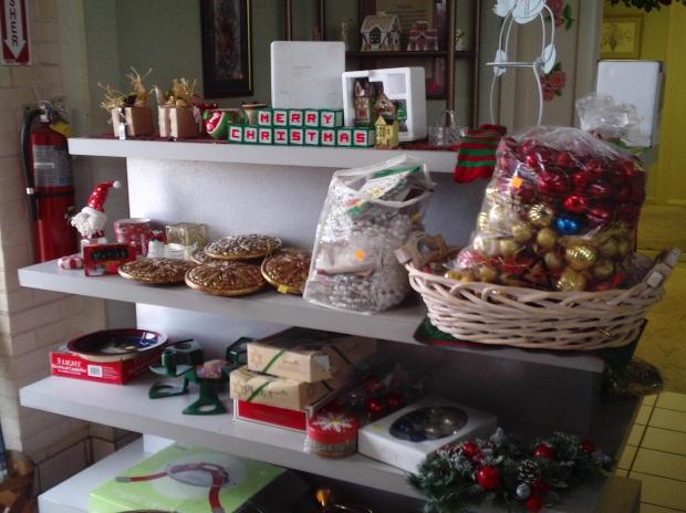 Lojas da rua 25 de março com ofertas para o Natal (Foto: Divulgação)