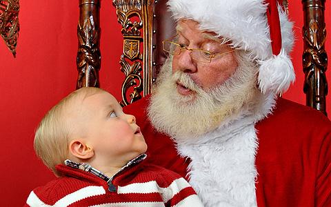 Criança cresce acreditando no Papai Noel (Foto: Divulgação)