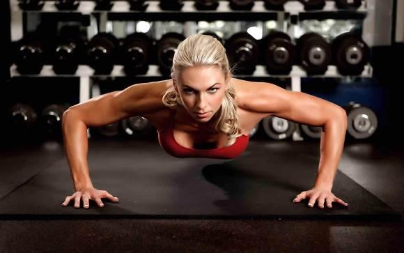 Tomando os devidos cuidados com a postura, você reduz os riscos de lesões. (Foto Ilustrativa)