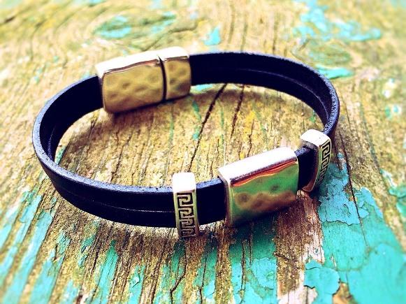 Pulseiras e colares masculinos tendências 2016. (Foto Ilustrativa)